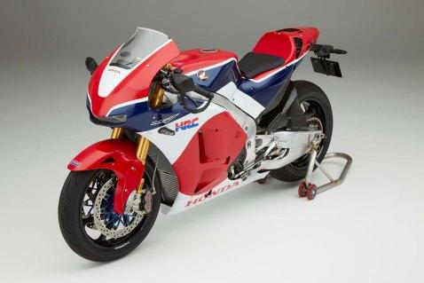 2016-Honda-RC213V-S-street-bike-07